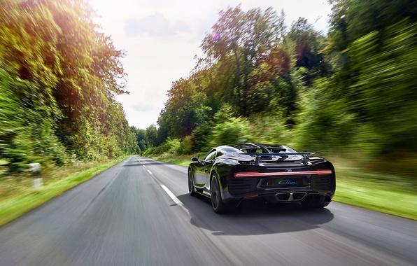 Картинка car, Bugatti, logo, supercar, speed, asphalt, vegetation, Chiron, Bugatti Chiron