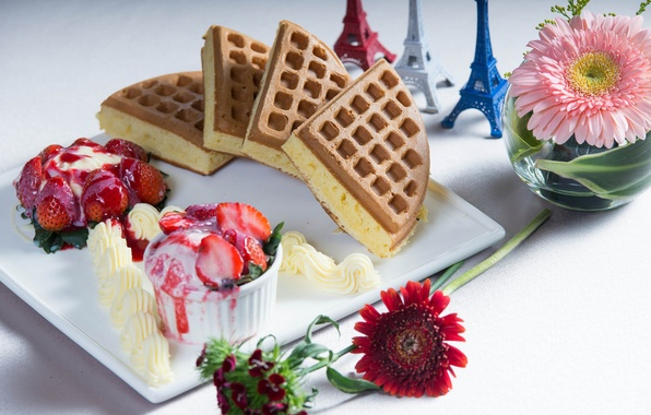 Картинка цветы, ягоды, эйфелева башня, клубника, мороженое, пирожное, герберы, десерт
