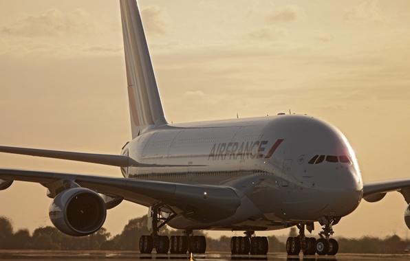 Картинка Закат, Небо, Облака, Вечер, Фото, Самолет, Лайнер, Аэропорт, Полоса, A380, Пассажирский, Airbus, Air France