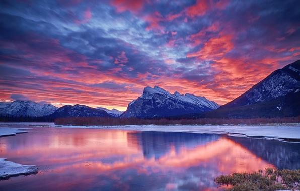 Картинка зима, небо, облака, снег, горы, озеро, зарево
