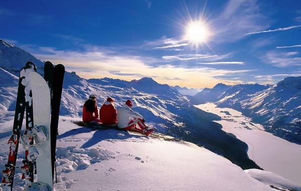Картинка зима, солнце, снег, горы, праздник, сноуборд, спорт, лыжи, новый год, альпы