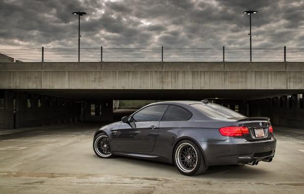 Картинка серый, bmw, бмв, парковка, вид сзади, grey, parking, e92