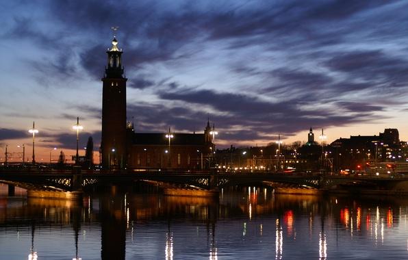 Картинка небо, облака, свет, закат, мост, огни, отражение, река, вечер, Город, фонари, набережная