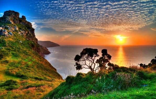 Картинка море, небо, трава, солнце, облака, закат, горы, отражение, дерево, скалы, горизонт, эксмур, Exmoor