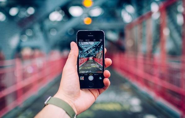 Картинка пейзаж, iPhone, часы, рука, картина, боке