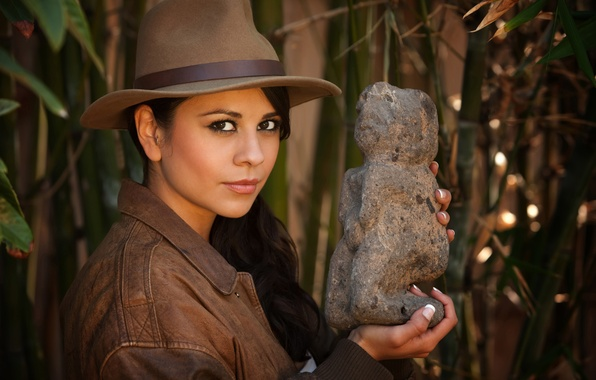 Картинка взгляд, девушка, стиль, находка, артефакт, фон, цель, шляпа, куртка, girl, красивая, style, красивый, снаряжение, амуниция, …