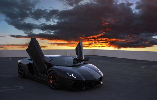 Картинка облака, Lamborghini, суперкар, Aventador, на крыше, Lamborghini Aventador, sports car