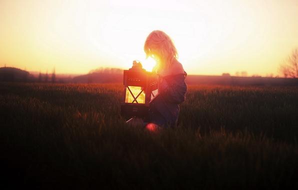 Картинка поле, девушка, свет, настроение, лампа
