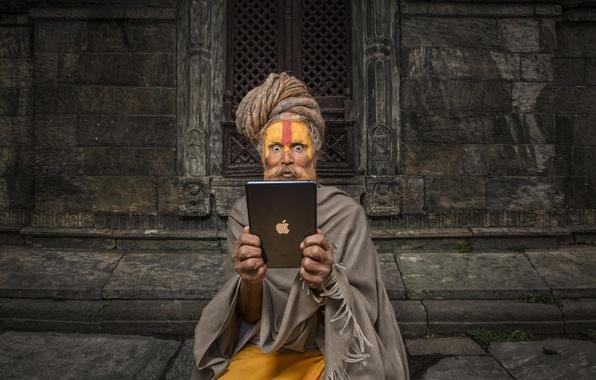 Картинка Apple, удивление, Эпл, планшет, йог, Hi-Tech, Ipad, Непал, буддизм, Айпад, Nepal, rishi, yog, риши