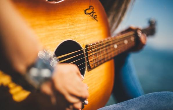 Картинка guitar, wood, hands
