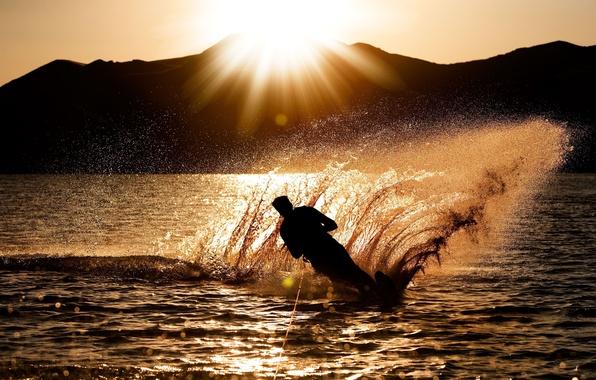 Картинка море, волны, вода, солнце, закат, брызги, фон, океан, спорт, силуэт, мужчина, парень, широкоформатные, полноэкранные, HD …