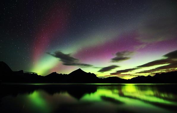 Картинка небо, звезды, облака, горы, ночь, сияние, силуэт, Канада, Альберта, озеро Кананаскис