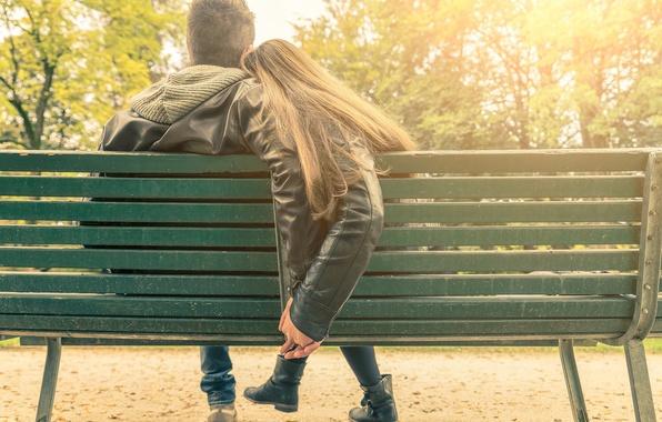 Картинка девушка, скамейка, парк, парень, свидание, Романтика