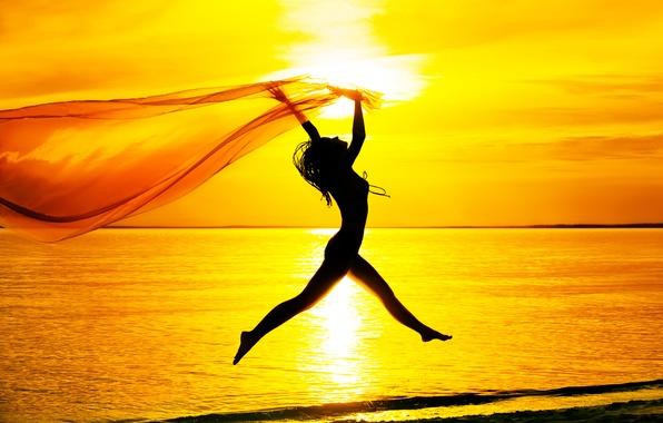 Картинка море, пляж, небо, девушка, закат, настроение, прыжок, силуэт