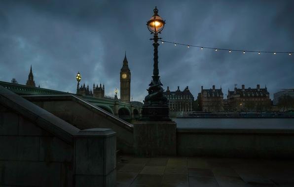 Картинка ночь, мост, огни, река, часы, Англия, Лондон, башня, дома, фонари, Темза, Биг-Бен, лампочки, набережная