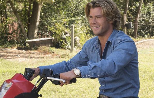 Фото обои Vacation, Chris Hemsworth, рубашка, комедия, Каникулы, джинсы, Крис Хемсворт, руль