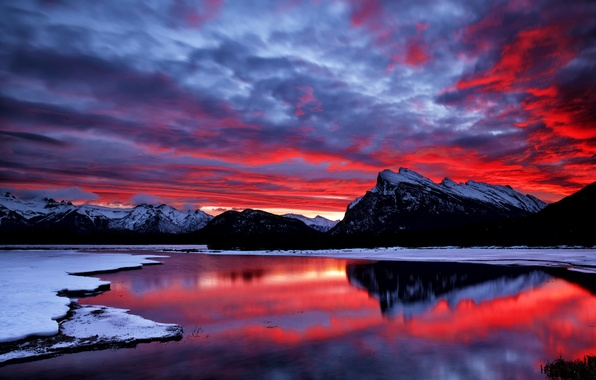 Картинка небо, облака, снег, горы, озеро, зарево