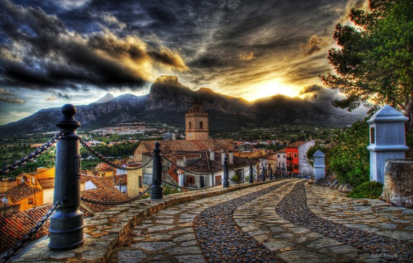 Картинка дорога, небо, облака, закат, цветы, горы, HDR, дома, старые, colors, colorful, hdr, архитектура, road, красочные, …