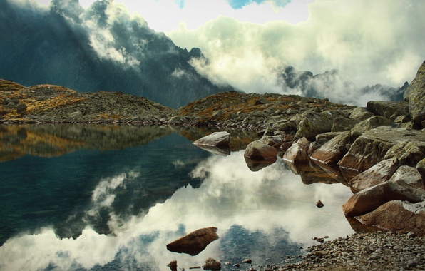 Картинка облака, горы, туман, озеро, отражение, камни, скалы