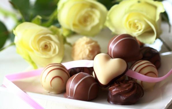 Картинка белый, цветы, шоколад, розы, желтые, конфеты, сладости, десерт, молочный