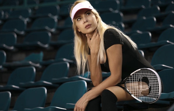 Картинка взгляд, девушка, лицо, фон, ракетка, кепка, теннис, Ingrid