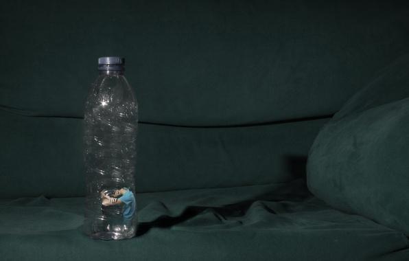 Картинка человек, бутылка, ситуация