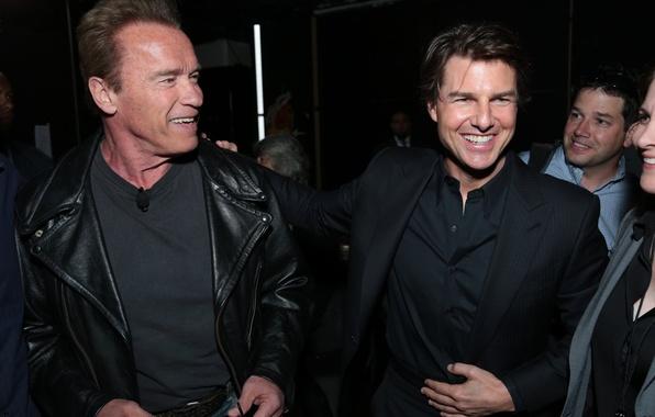 Картинка радость, фото, знаменитости, актеры, улыбки, Том Круз, Арнольд Шварценеггер, Tom Cruise, Arnold Schwarzenegger