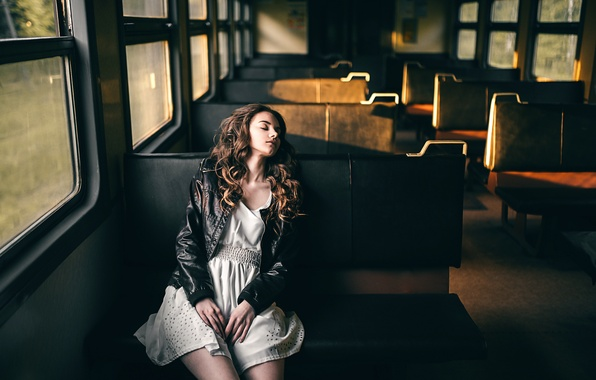 Картинка девушка, рассвет, поезд, сон, утро, Victoria Berngard