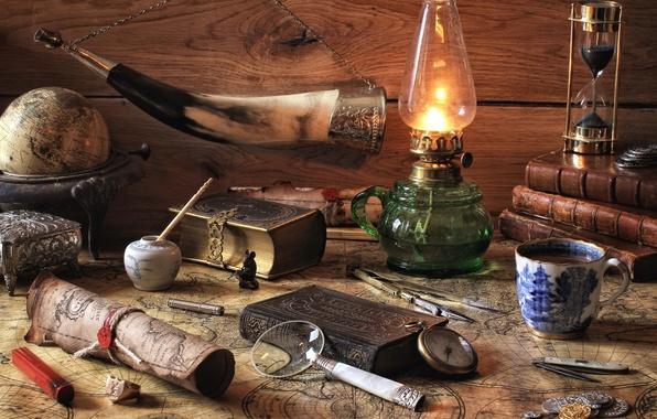 Картинка часы, книги, лампа, карта, чашка, натюрморт, лупа, глобус, рог
