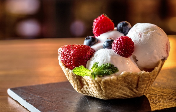 Картинка ягоды, малина, клубника, мороженое, корзинка, десерт, ежевика, сладкое, вафля, sweet, yammy, dessert, berries, raspberry, delicious, …