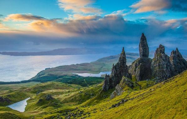 Картинка скалы, долина, Шотландия, панорама, озёра, Scotland, Isle of Skye, остров Скай, Old Man of Storr, …