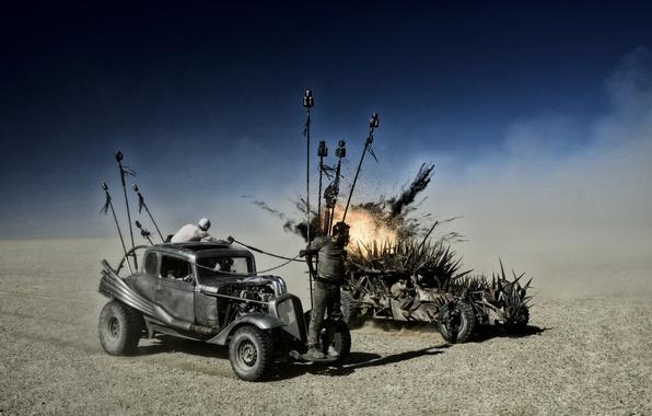Картинка пустыня, хаос, постапокалиптика, пленник, Mad Max, Fury Road, Безумный Макс, дизельпанк, Дорога ярости, безумия