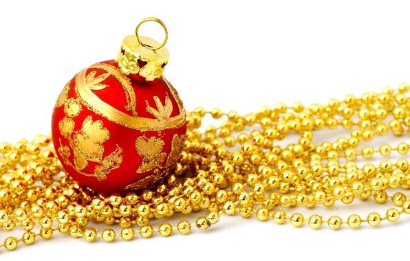 Картинка красный, праздник, узор, новый год, шар, рождество, шарик, белый фон, бусы, christmas, new year, золотые, …