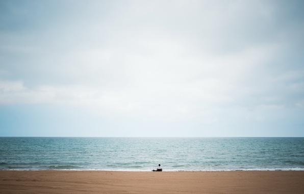 Картинка beach, sky, big, blue, lake, alone, man, solitude