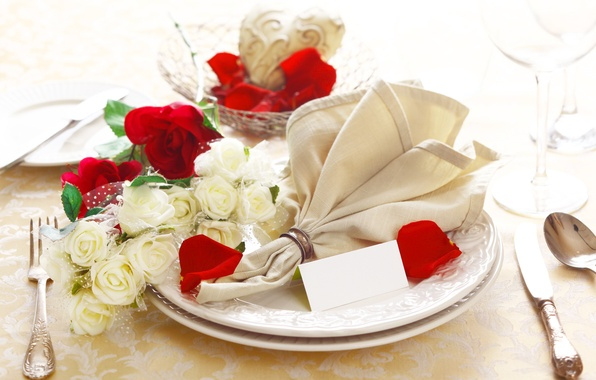 Картинка цветы, розы, бокалы, тарелки, ресторан, салфетка, сервировка
