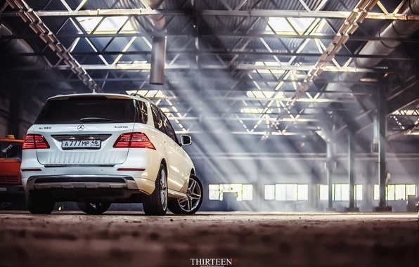 Картинка машина, авто, Mercedes-Benz, фотограф, auto, photography, AMG, photographer, ML350, Thirteen, диски корма