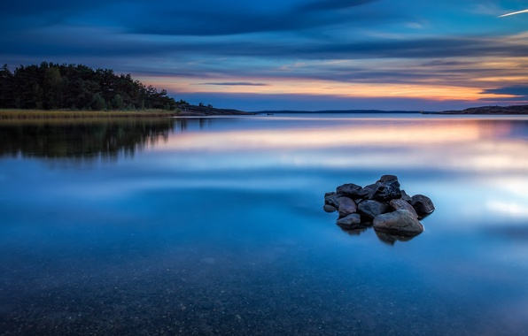 Картинка лес, небо, вода, облака, деревья, закат, природа, гладь, отражение, река, синева, камни, берег, вечер, Норвегия