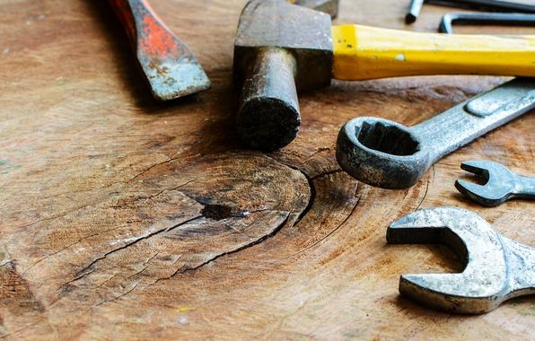 Фото обои table, hammer, wrench, hand tools