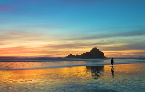Картинка море, пляж, любовь, закат, романтика, вечер, пара, прогулка, двое