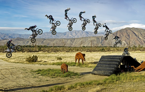 Картинка солнце, облака, горы, природа, прыжок, обои, спорт, панорама, wallpaper, байк, мотоциклист, слоны, мотоспорт, трамплин, большой …