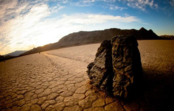 Фото обои горы, Долина Смерти, ползущие, скользящие, дно, озеро, движущиеся, камни, США
