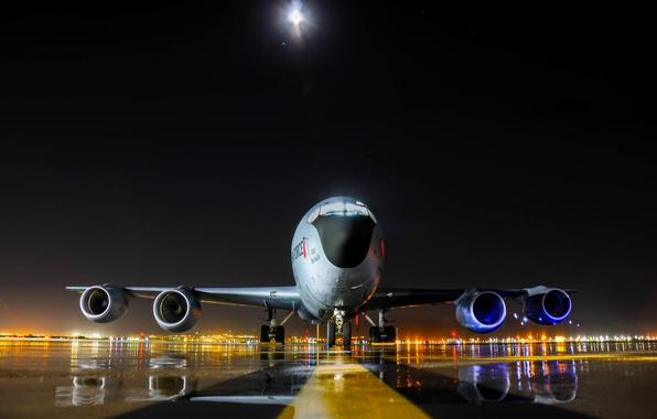 Картинка Boeing, самолёт, реактивный, заправщик, военно-транспортный, многофункциональный, KC-135, четырёхдвигательный, Stratotanker, специализированный