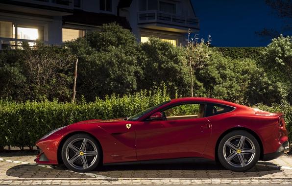 Картинка деревья, ночь, красный, дом, Ferrari, red, house, феррари, night, tree, f12, berlinetta, берлинетта