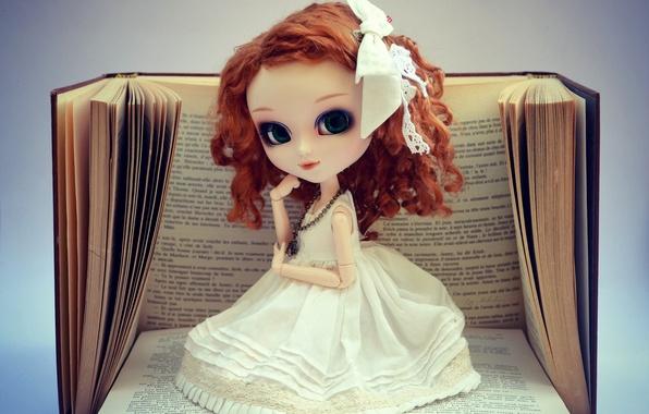 Картинка фон, игрушка, книги, кукла, платье, рыжая, бант