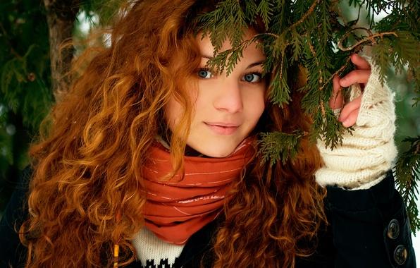 Картинка лес, взгляд, девушка, природа, лицо, улыбка, волосы, рыжие