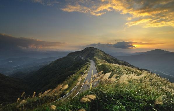 Картинка дорога, небо, трава, горы, ветер, холмы, пейзажи, китай, вид, дороги, места