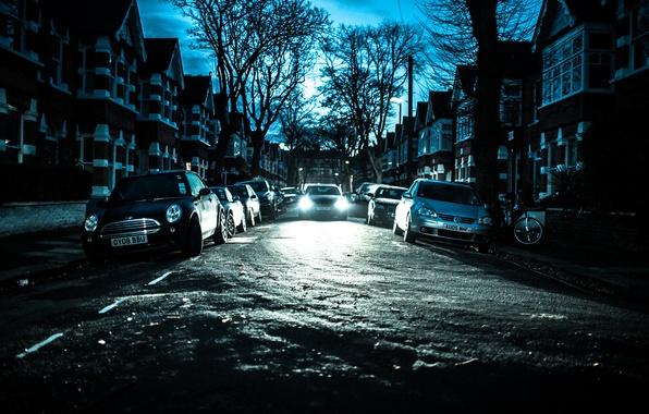 Картинка зима, небо, деревья, велосипед, улица, Англия, Лондон, дома, силуэт, автомобили, фар, фонарный столб, Chiswick
