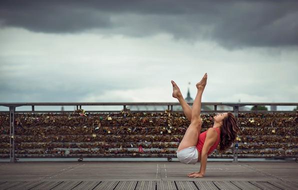 Картинка девушка, шорты, танец, грация, ножки, Emilie Caillon