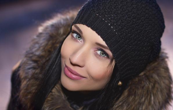 Картинка зима, глаза, взгляд, девушка, милая, модель, портрет, брюнетка, губы, girl, красотка, model, ангелина