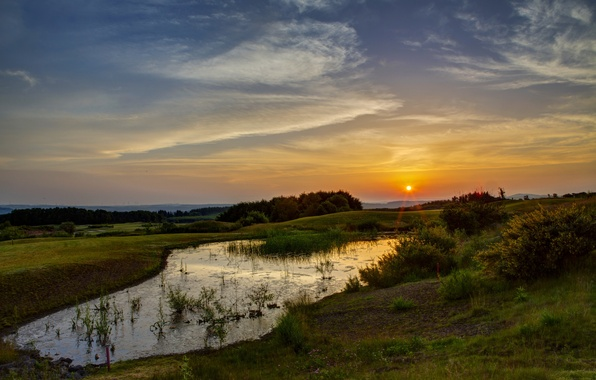 Картинка Закат, Солнце, Небо, Вода, Природа, Трава, Деревья, Лучи
